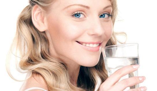 ¿Qué es el agua alcalina? ¿Qué hace que el agua alcalina sea diferente?