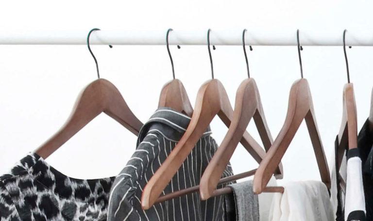 ¿Cómo elegir las mejores perchas para tu armario?