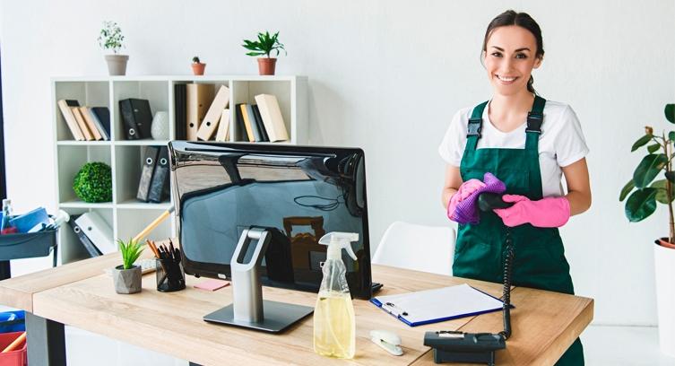 Cómo limpiar una oficina de manera fácil y efectiva