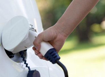 Todo lo que necesitas saber sobre los puntos de carga para los coches eléctricos