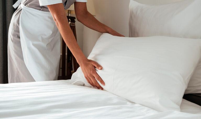 Contratar a una empleada de hogar mediante una agencia de servicio domestico